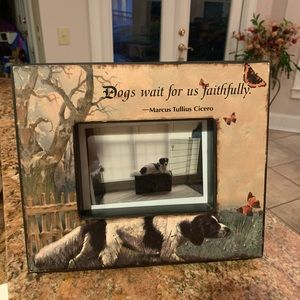 "Picture frame for a 5"" x 7"" dog photo."